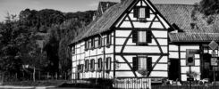 Hoeve De Plei is a typical half-timbered building you see quite a lot in (the south of) Limburg. You can stay here as it is a hotel with apartments nowadays. (2019)
